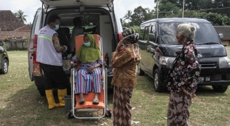 Thousands of Residents Evacuated Along with Increasing Activities of Mount Merapi
