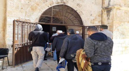 Israel Deportes Two of Al-Aqsa's Guard