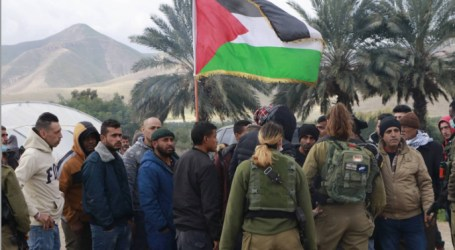 Jordan Valley Villagers Demonstrate Against Blackout Caused by Israel