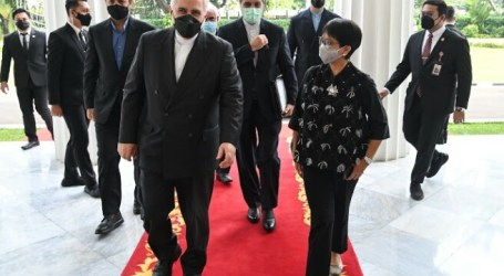 Minister Retno Receives Iranian Foreign Minister's Visit in Jakarta