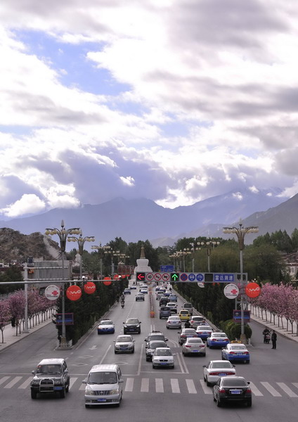 Fifty years of Connecting Tibet: Eight Traffic Landmarks