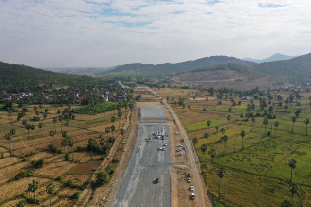 Phnom Penh-Sihanoukville Expressway project to complete in 1st semester of 2022