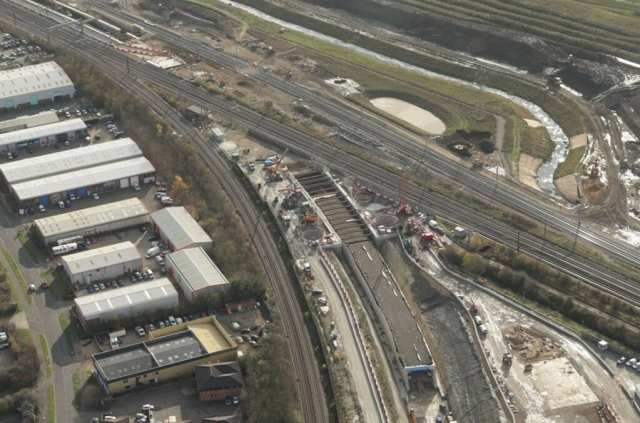 UK engineering first as 11,000 tonne tunnel is installed