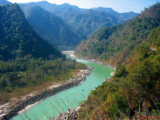 This image has an empty alt attribute; its file name is ganges-among-the-mountains.jpg
