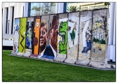 """<h5>The Berlin Wall in Los Angeles, California</h5><p>Details, Copyright:  <a href=""""http://en.the-wall-net.org/?p=186"""">Los Angeles, CA</a> / more <a href=""""http://en.the-wall-net.org/category/the-berlin-wall/us/"""" >sites in the USA</a></p>"""