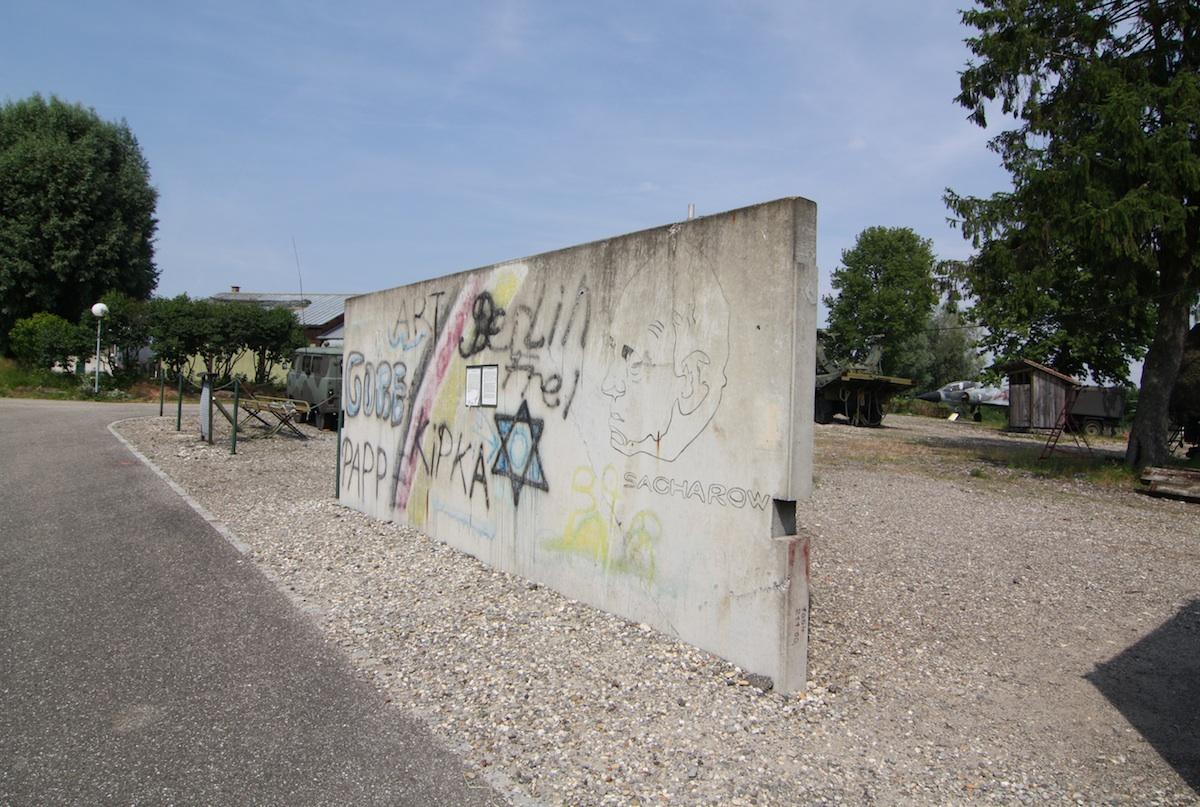 Berlin Wall in Hatten