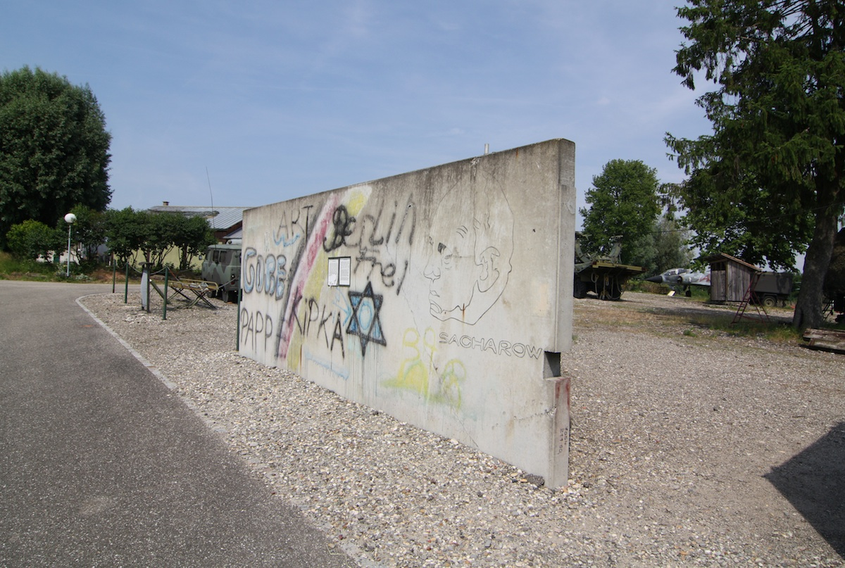Berlin Wall in Hatten