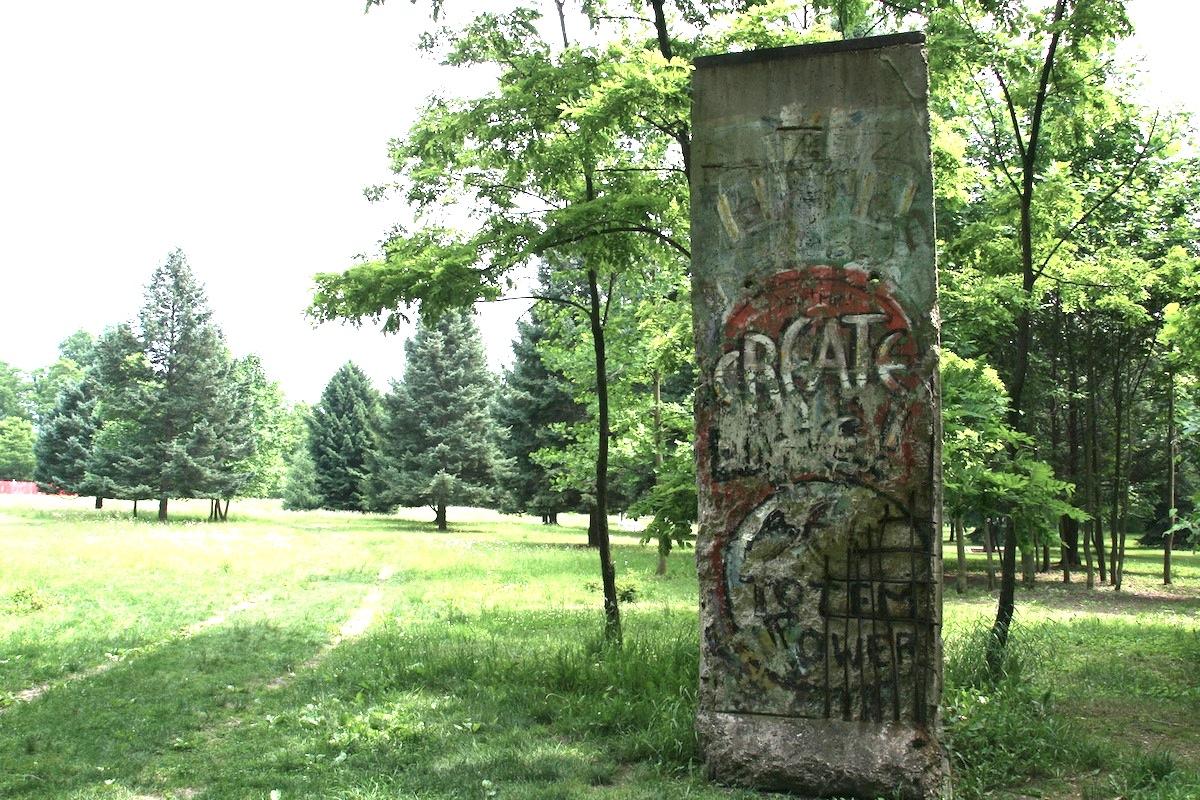 Berlin Wall in Chalk Hill/Kentuck Knob