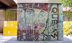 Berlin Wall in Paris, F