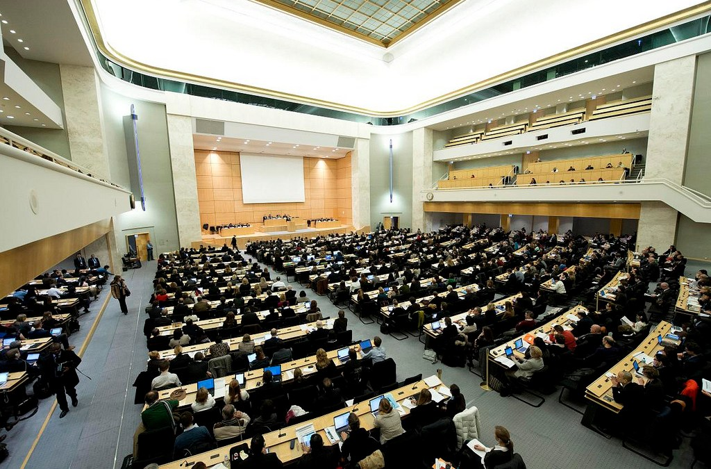 Business dragging its feet on human rights and investors are watching, say UN experts
