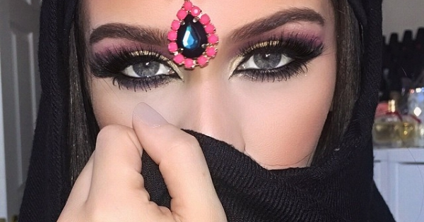 Middle Eastern Makeup Tutorial By Blogger Carli Bybel Style Com Arabia
