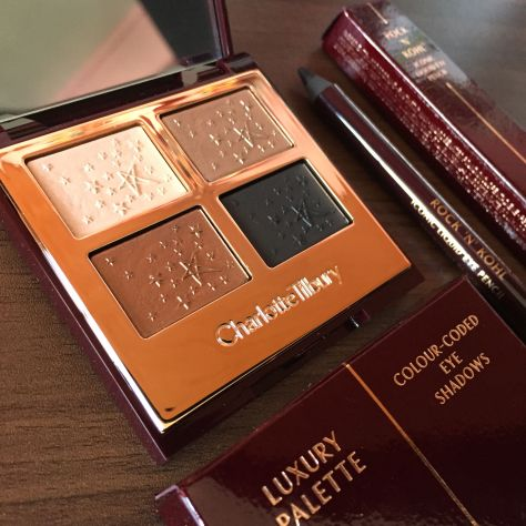 Charlotte Tilbury Smokey Eye Fallen Angel Eyeshadow Palette Rock & Kohl Eye Pencil Review 002