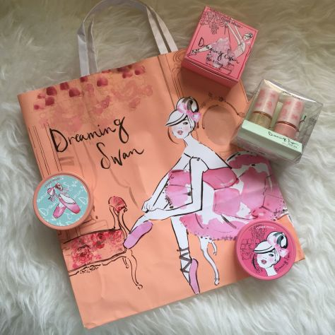Enabalista Etudehouse Dreaming Swan Limited Edition Collection 019