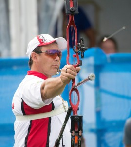 TORONTO, ON, AUGUST 10, 2015. Medal Archery events at the ParaPan Am Games _ Karen Van Nest wins silver, and Kevin Evans in Bronze medal match. Photo: Dan Galbraith/Canadian Paralympic Committee