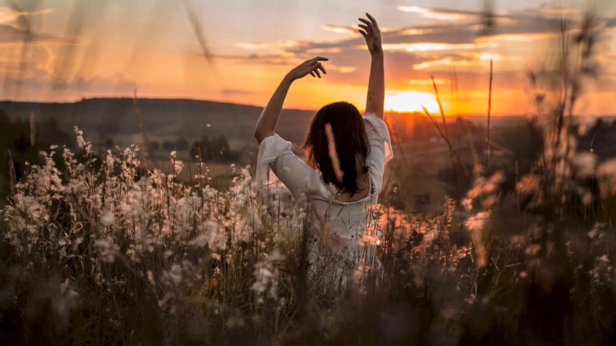TÁNCISKOLA HÖLGYEKNEK – gyakorlatok a nőies működéshez