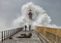 10 Inspiring Photos of Extreme Weather 8
