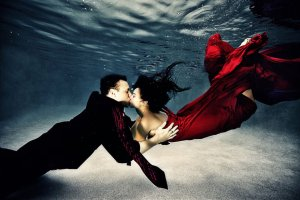 Collection of 20 Inspiring Underwater Wedding Photography 51
