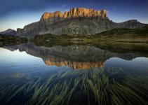 15 Breathtaking Photos of Lakes With Reflections 9