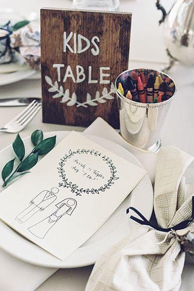 la mesa de los niños en la boda
