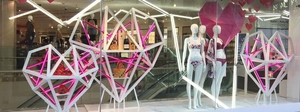 shop window display lighting retail