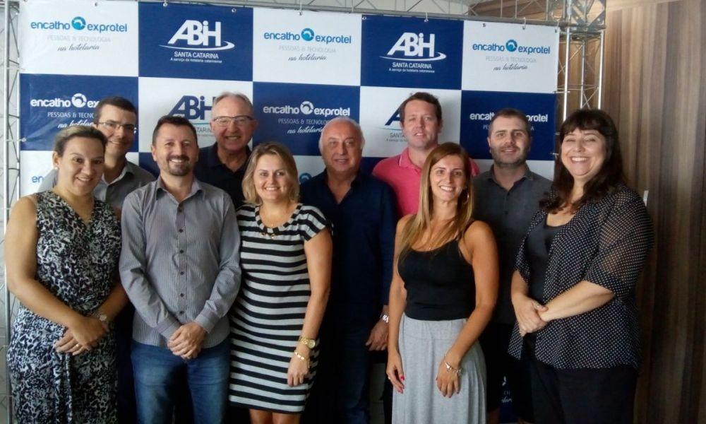 ABIH-SC reunida para tratar do Encatho & Exprotel 2018