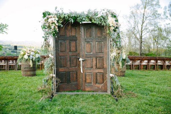 shawn-johnson-wedding-florals-enchanted-florist-tn-outdoor-elegant-flowers-10