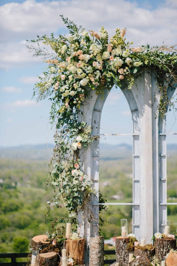 shawn-johnson-wedding-florals-enchanted-florist-tn-outdoor-elegant-flowers-2
