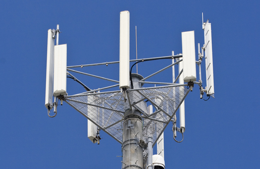 Researcher claims dire health risks from 4G/5G wireless antennas