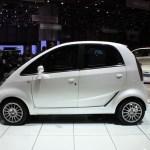 imagen del lateral del utilitario eléctrico Tata Nano EV
