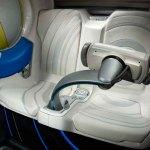 imagen de la colsola y los asientos del General Motors EV-N