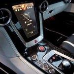 interior del deportivo eléctrico de Mercedes-Benz, el SLS AMG e-Cell