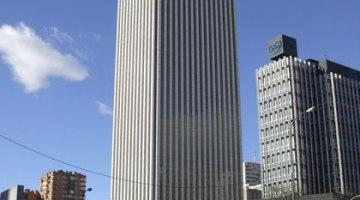 Torre Picasso, primer rascacielos con aparcamiento de recarga para coches eléctricos