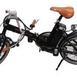 aqui vemos el proceso de plegar la bicicleta electrica Ecobike Urban Plegable