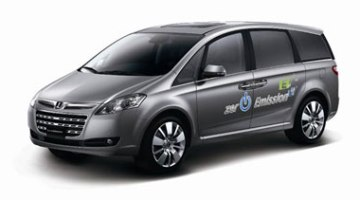 imagen lateral del monovolumen eléctrico Luxgen 7 MPV EV+