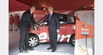 Santander instala cuatro puntos de recarga en la ciudad