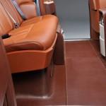 interiores del Rolls-Royce 102EX en madera y cuero