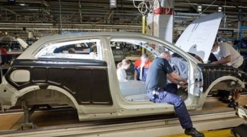 Se empieza a producir el Volvo C30 BEV, 250 unidades hasta 2012