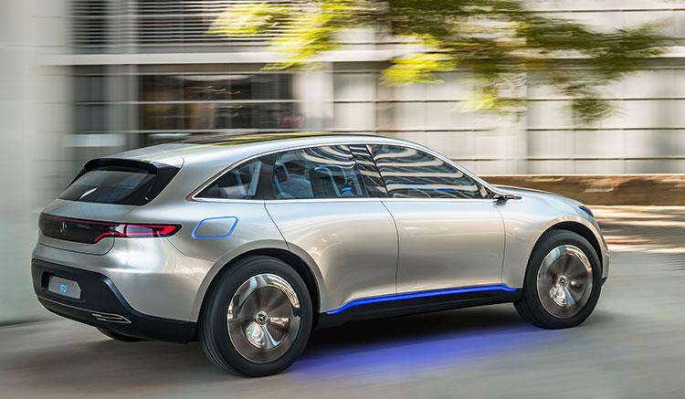 Imagen donde podemos apreciar el diseño y las lineas exteriores de la carrocería del primer prototipo eléctrico de Mercedes-Benz EQ.