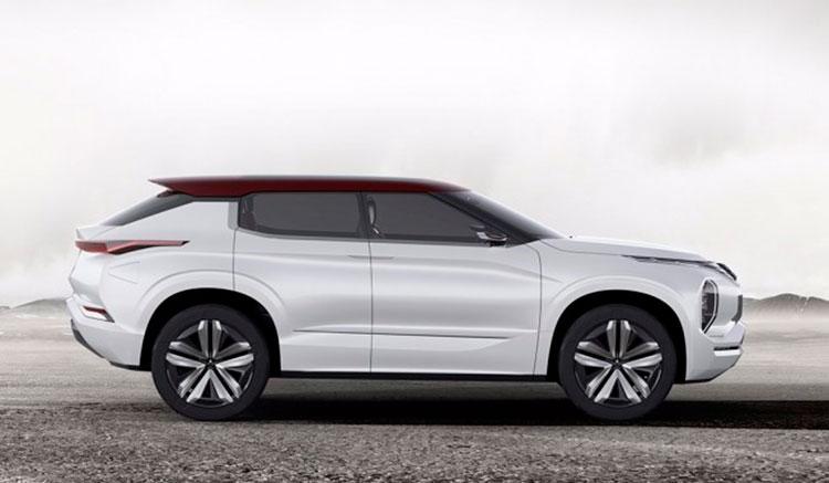 Mitsubishi Ground Tourer Concept: híbrido enchufable con 120 km en modo eléctrico