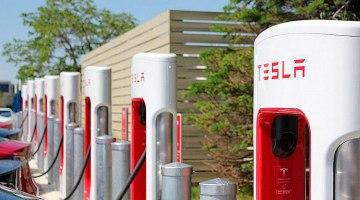 Una cafetería en Noruega tiene más supercargadores Tesla que toda España