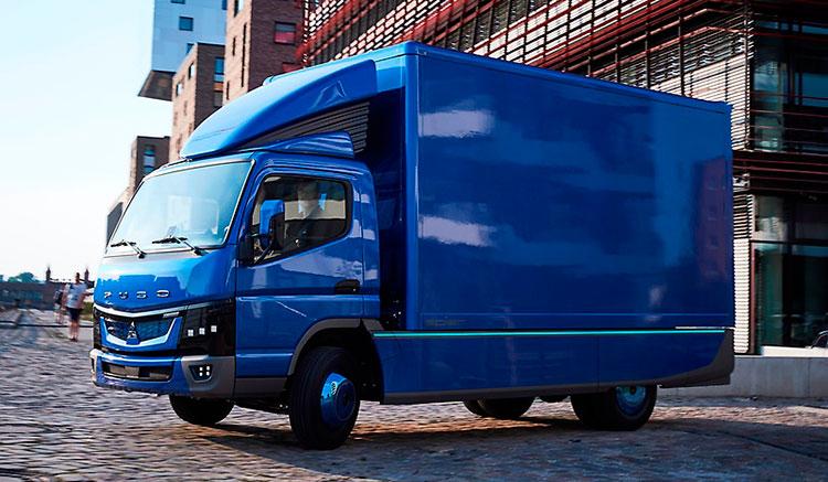 Imagen donde vemos el camión eléctrico Fuso eCanter, que el año que viene empezará su comercialización.