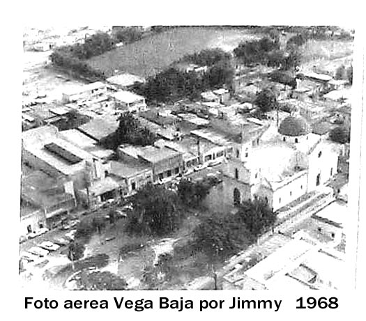 Exp Casa Portela 03 Panel 001 Plaza Recreo e Iglesia aerea 1968