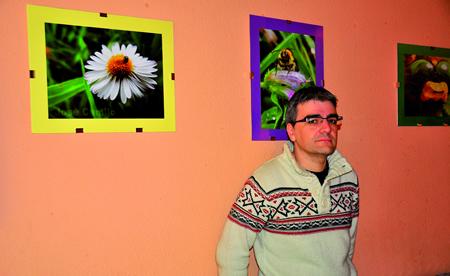 José Camilo López Pérez amosa en Bóveda as súas fotografías de natureza, e tamén tomas aéreas da contorna de Bóveda realizadas cun dron. (Foto cedida: JESÚS R.MONTERO).