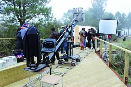 Un momento da gravación do spot de Turgalicia no miradoiro de Santiorxo, en Sober. (Foto cedida).