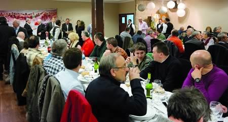 A cea do 10º aniversario da peña barcelonista Val de Lemos tivo lugar no restaurante monfortino Don Manuel. EC.