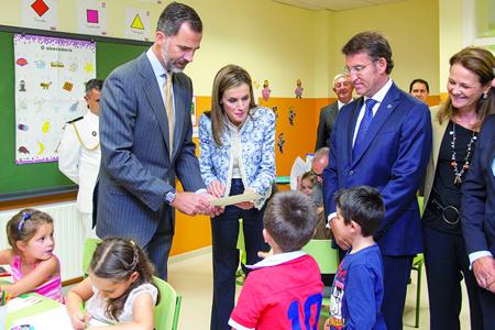 As SS.MM. os Reis de España Felipe VI e Letizia conversaron co alumnado do CEIP Ben-Cho-Shey de Pereiro de Aguiar, na visita que realizaron a este centro con motivo do inicio do curso escolar o pasado 16 de setembro. GPCCE