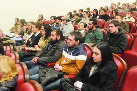 Un momento da sesión informativa para os participantes no programa de bolsas Leonardo da Vinci da pasada convocatoria. Arquivo EC.