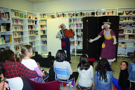 Foto de arquivo dunha das actividades desenvolvidas na Biblioteca de Sober dentro do programa Merendas con Contos o curso pasado. (Arquivo EC).