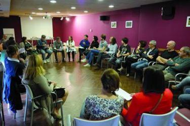 Un momento do acto de presentación da iniciativa cidadá Espertamonforte!, celebrada no salón de actos do Centro do Viño de Monforte o pasado 25 de outubro. EC