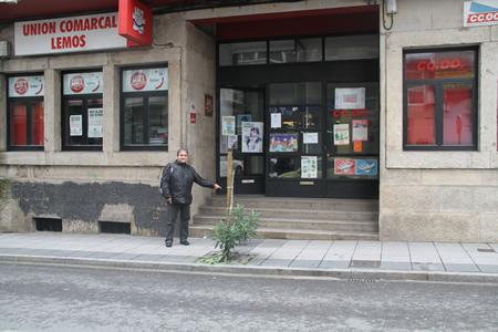 O socialista Vicente Docasar reclamou no Parlamento a supresión das barreiras arquitectónicas na Casa Sindical de Monforte, e a construción da nova comisaría de Policía. (Foto cedida).